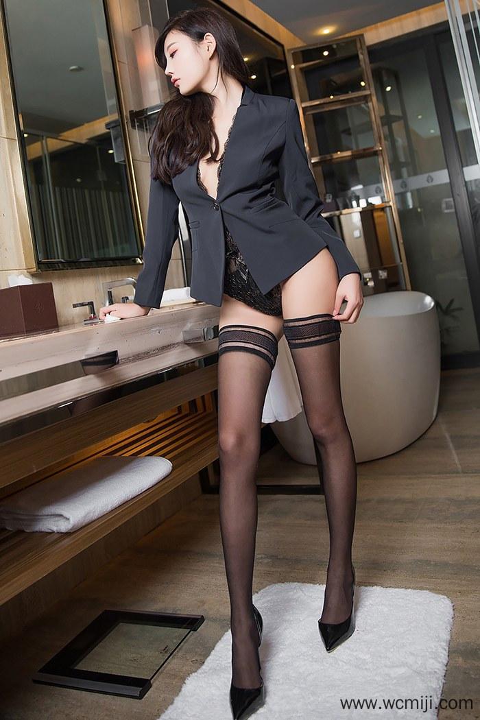 【模特】【杨晨晨】性感美女杨晨晨情趣黑丝长腿职装OL撅臀人体艺术写真【64P】 制服
