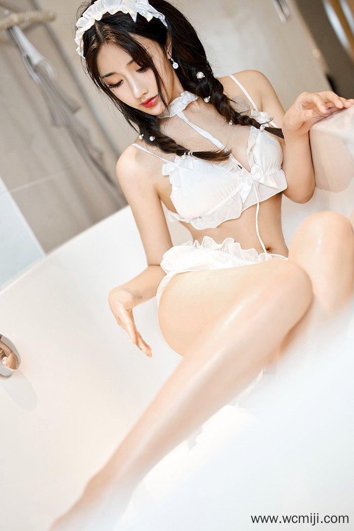 【性感美女】【林子欣】嫩白蕾丝女仆林子欣白皙娇体惹人挑逗等你调教【44P】 性感内衣