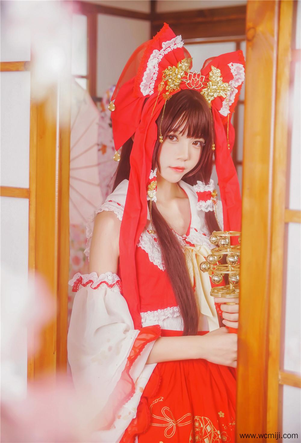 【COS】【灵梦】甜美小姐姐cos灵梦艺术图片【31P】