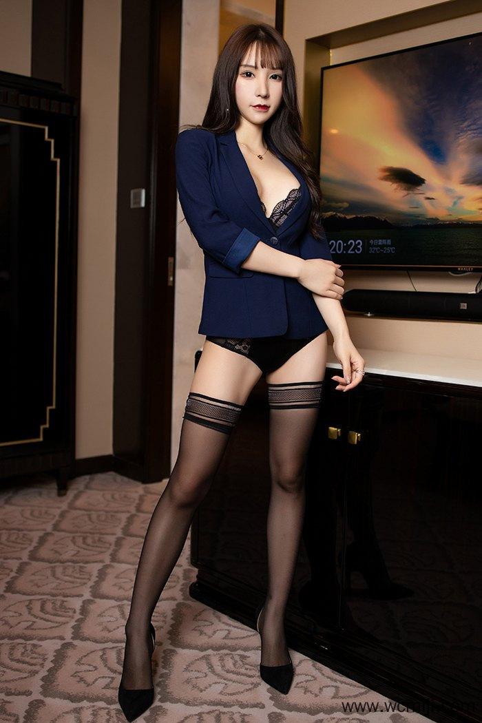 【网红】【周于希】长发优美女神周于希丝袜高跟风骚情趣内衣妖娆至极【54P】