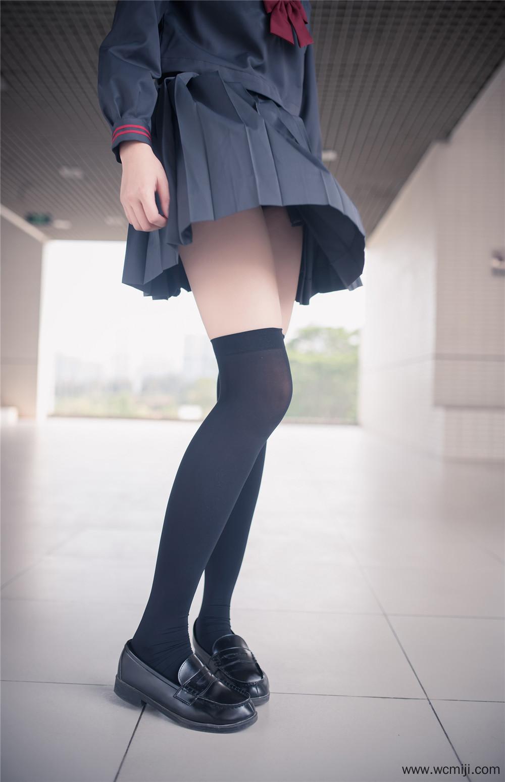 【私拍】【少女】腰肢袅娜似弱柳黑丝过膝袜私房照【43P】
